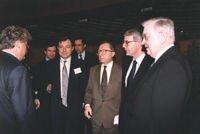 Alain LAMASSOURE avec Jacques DELORS, Président de la Commission européenne et John MAJOR, Premier Ministre britannique (1992)
